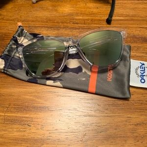 Eric Koston Frogskins Clear Camo w/ Emerald lens